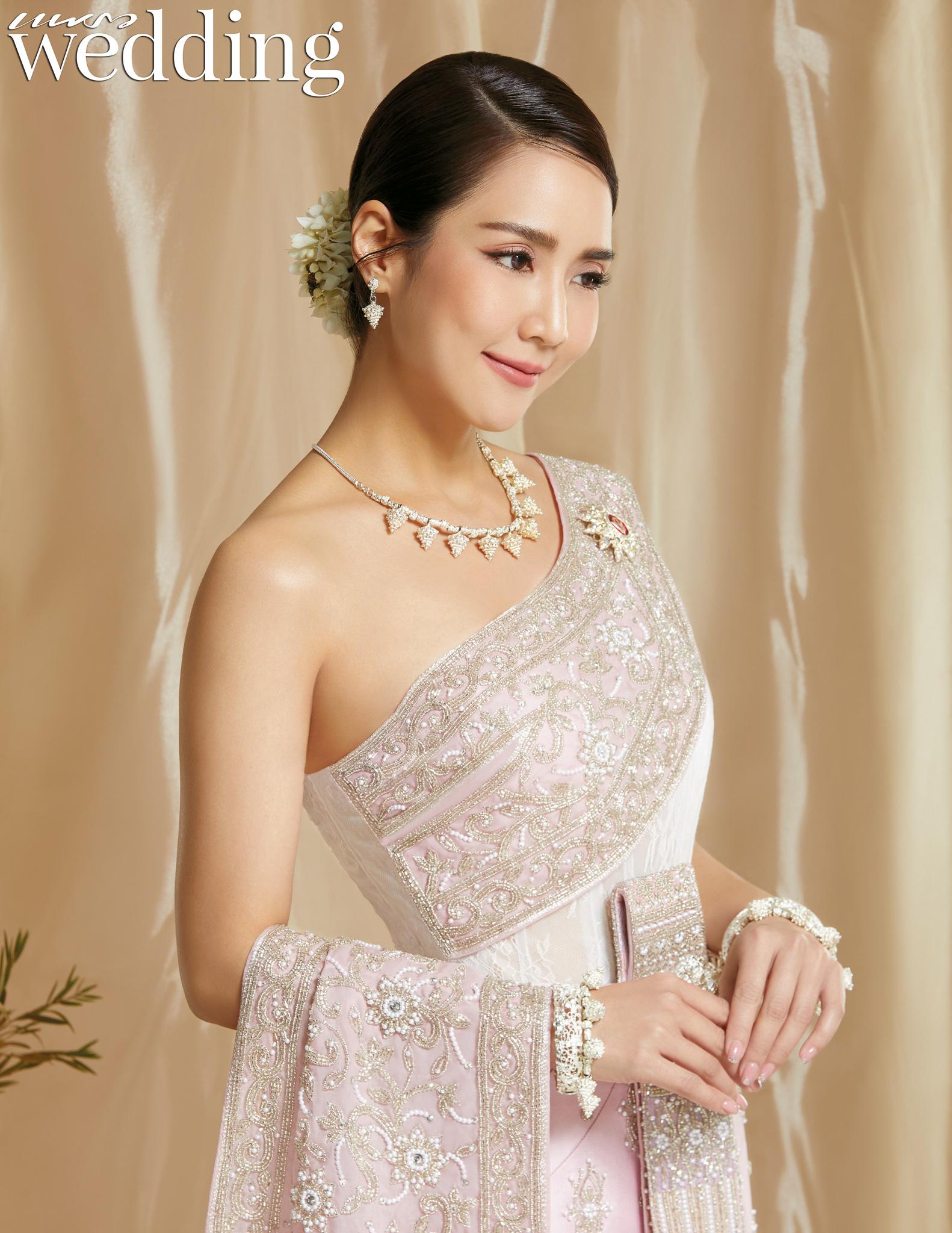Thai traditional dress - Jakjaan 05