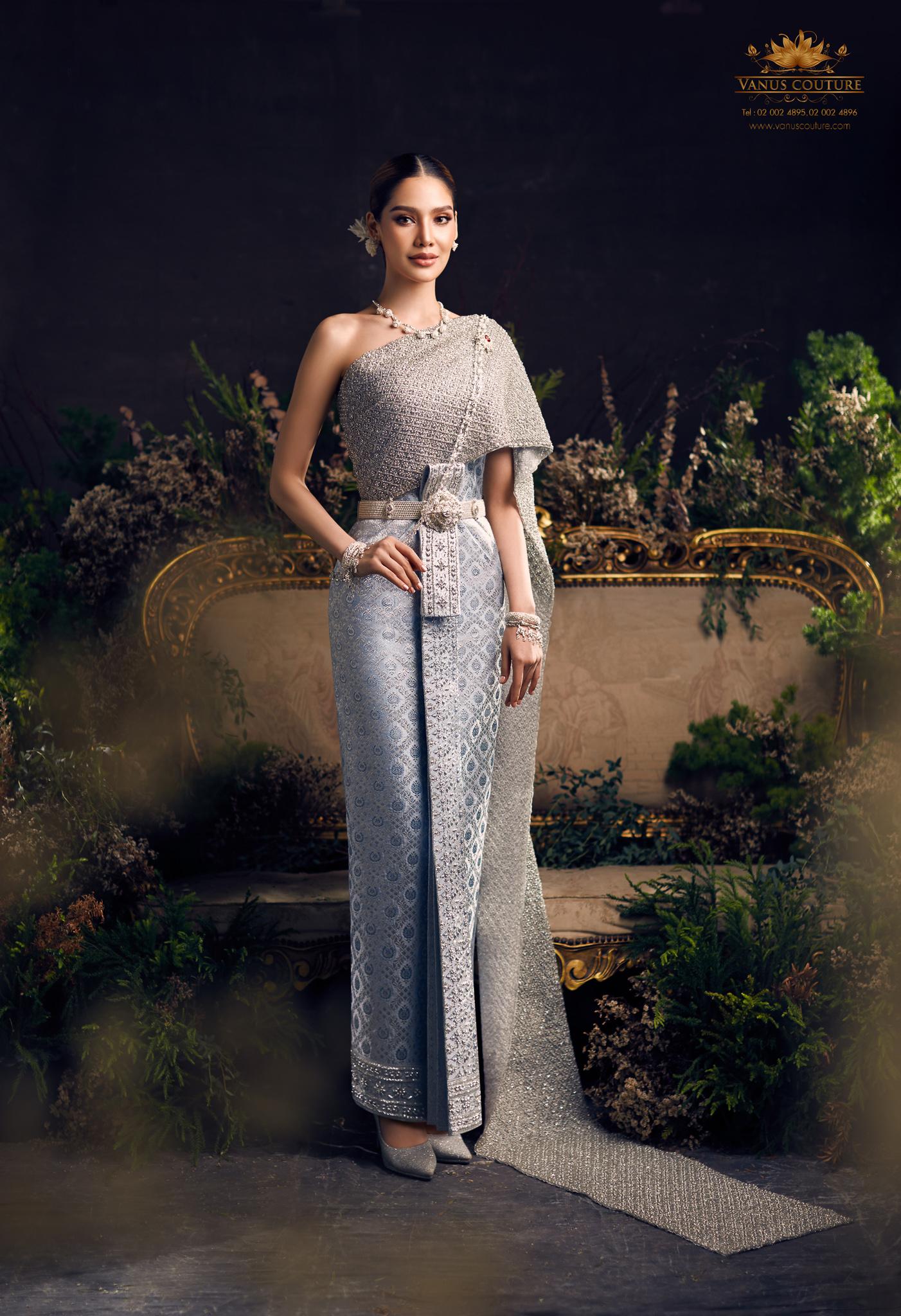 Thai traditional dress - Polfah