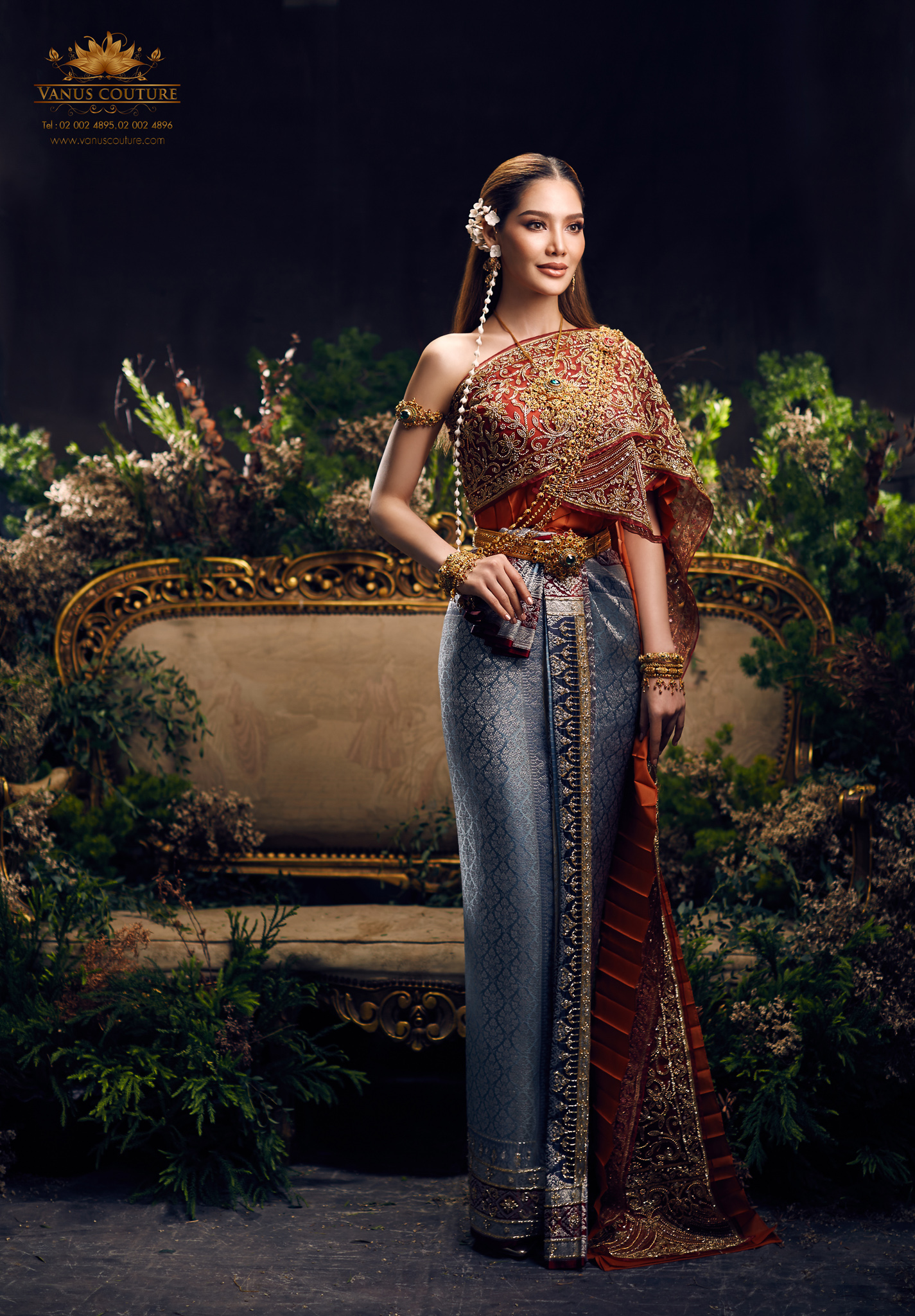 Thai traditional dress - Polfah 01