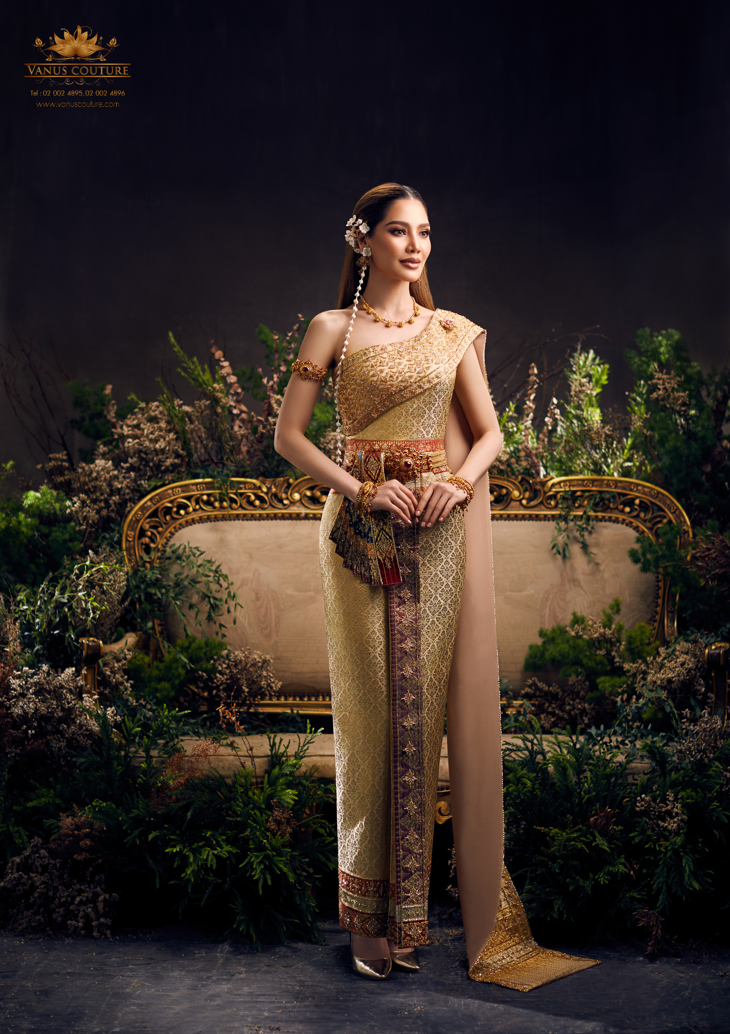 Thai traditional dress - Polfah 02