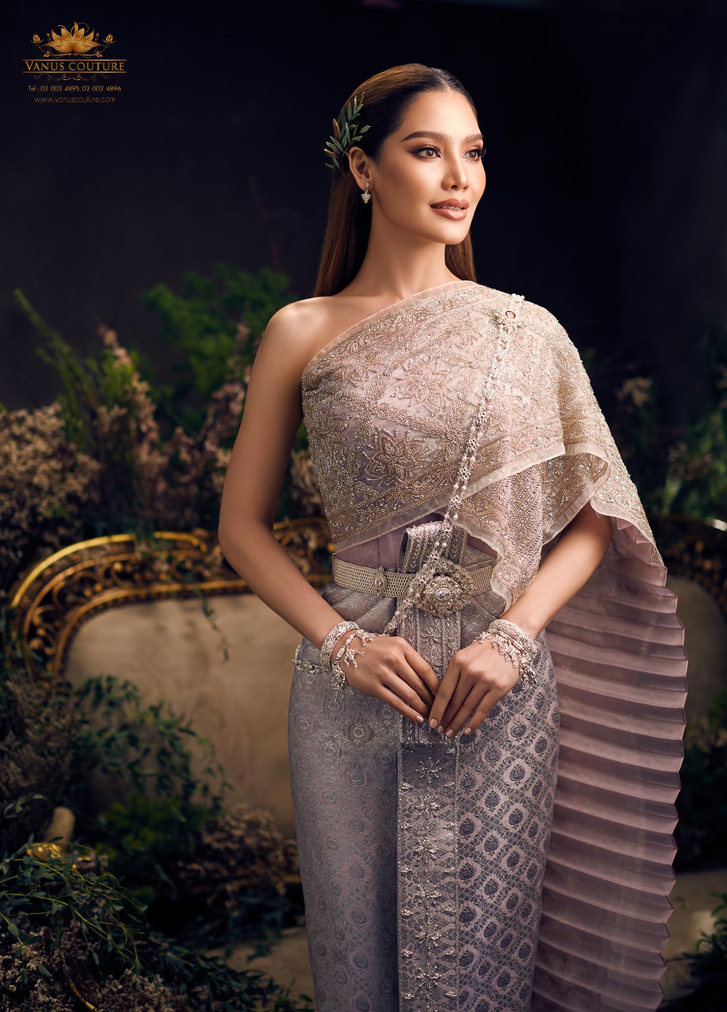 Thai traditional dress - Polfah 04