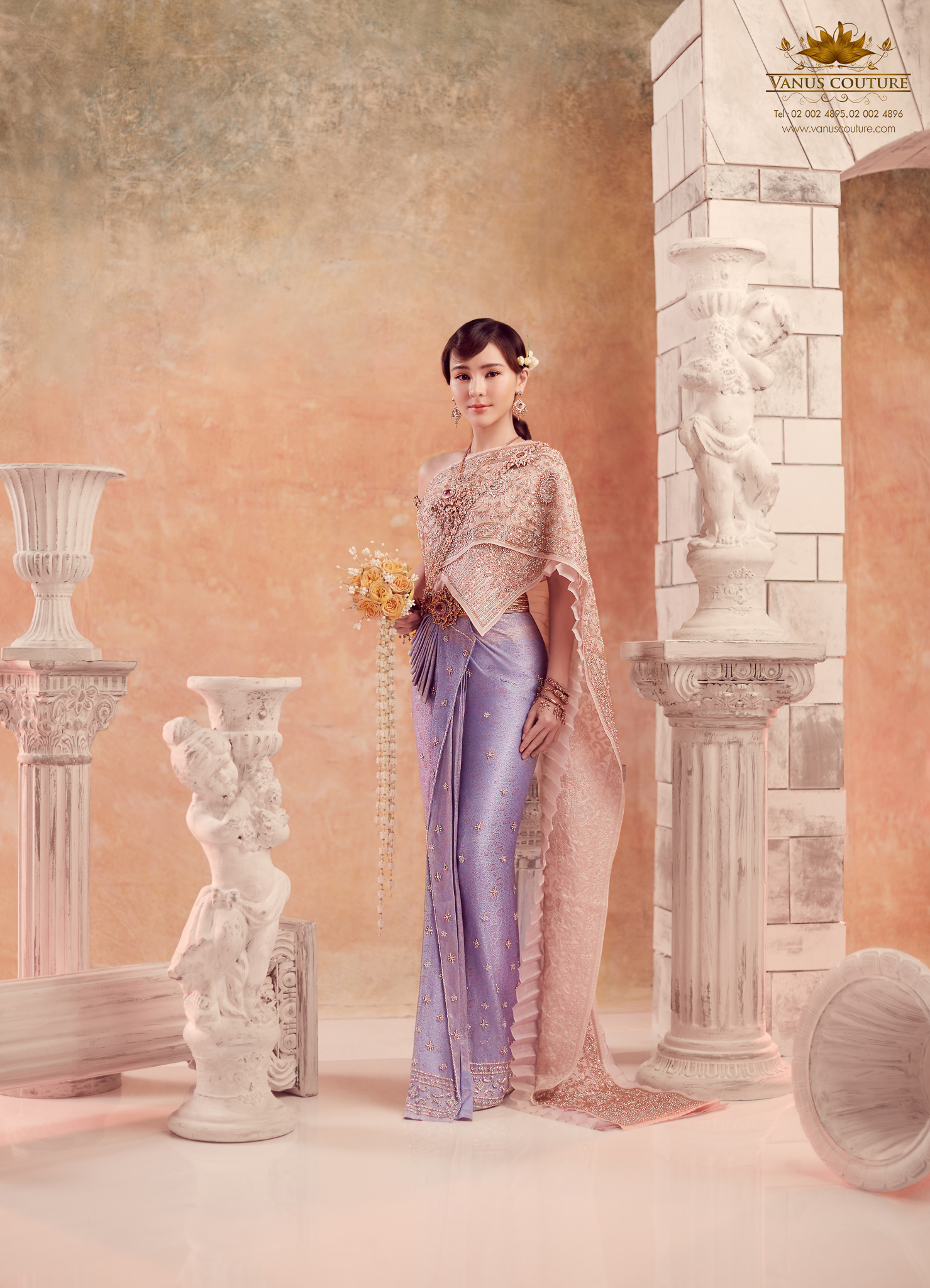 Thai traditional dress - Aom 06