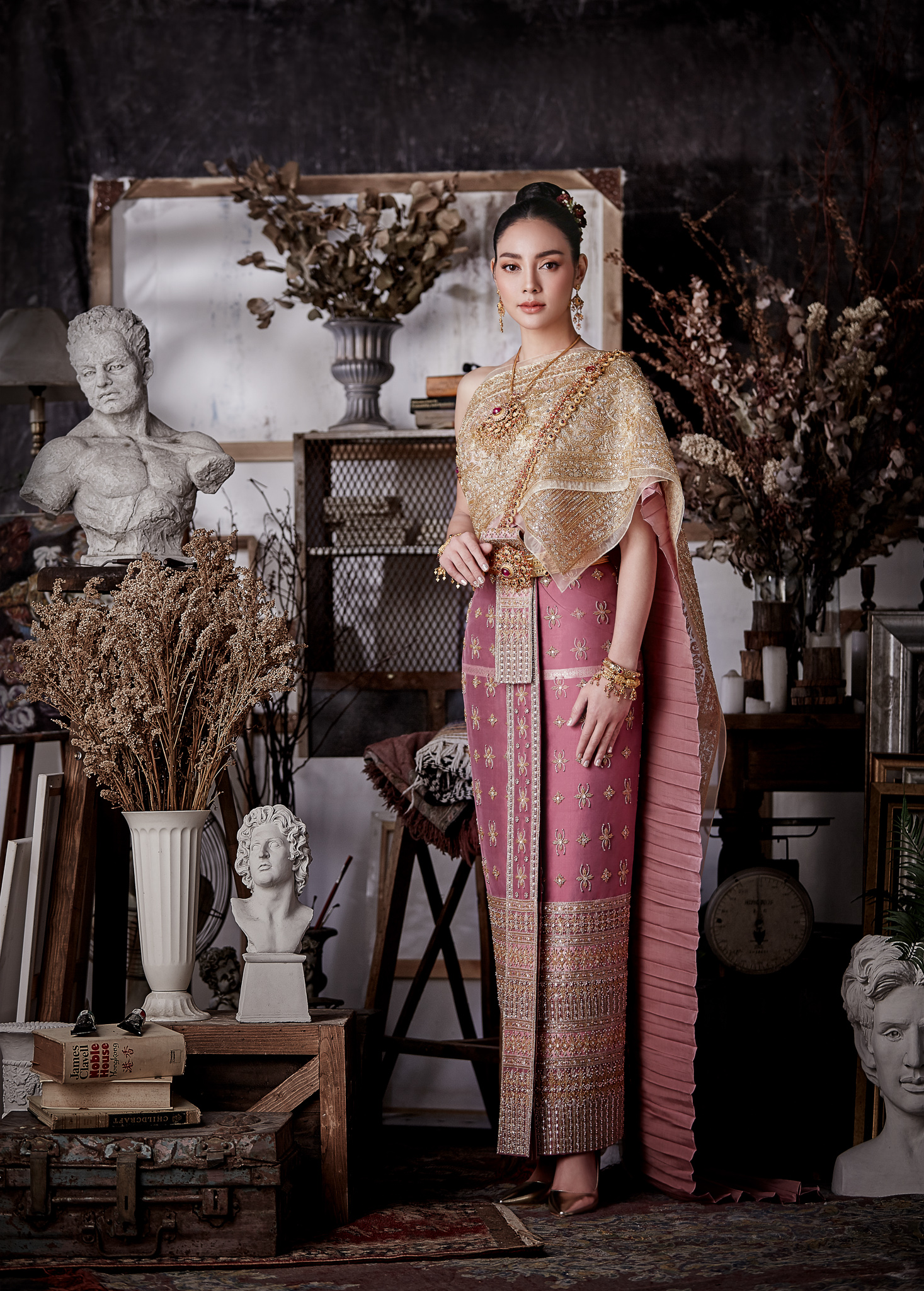 Thai traditional dress - Tak 03