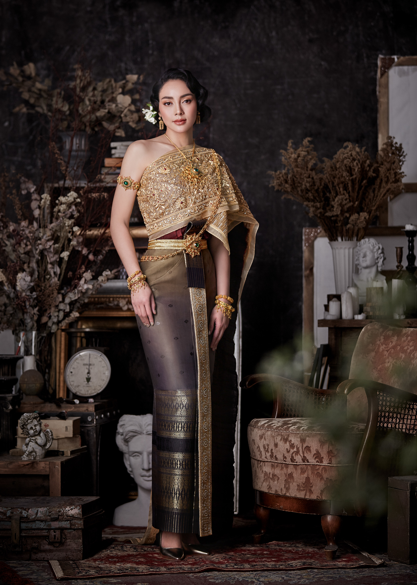 Thai traditional dress - Tak 05