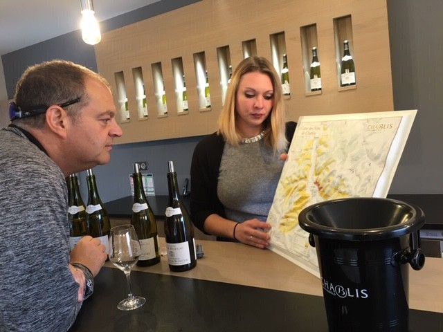guests tasting wine during wine tasting in Burgundy