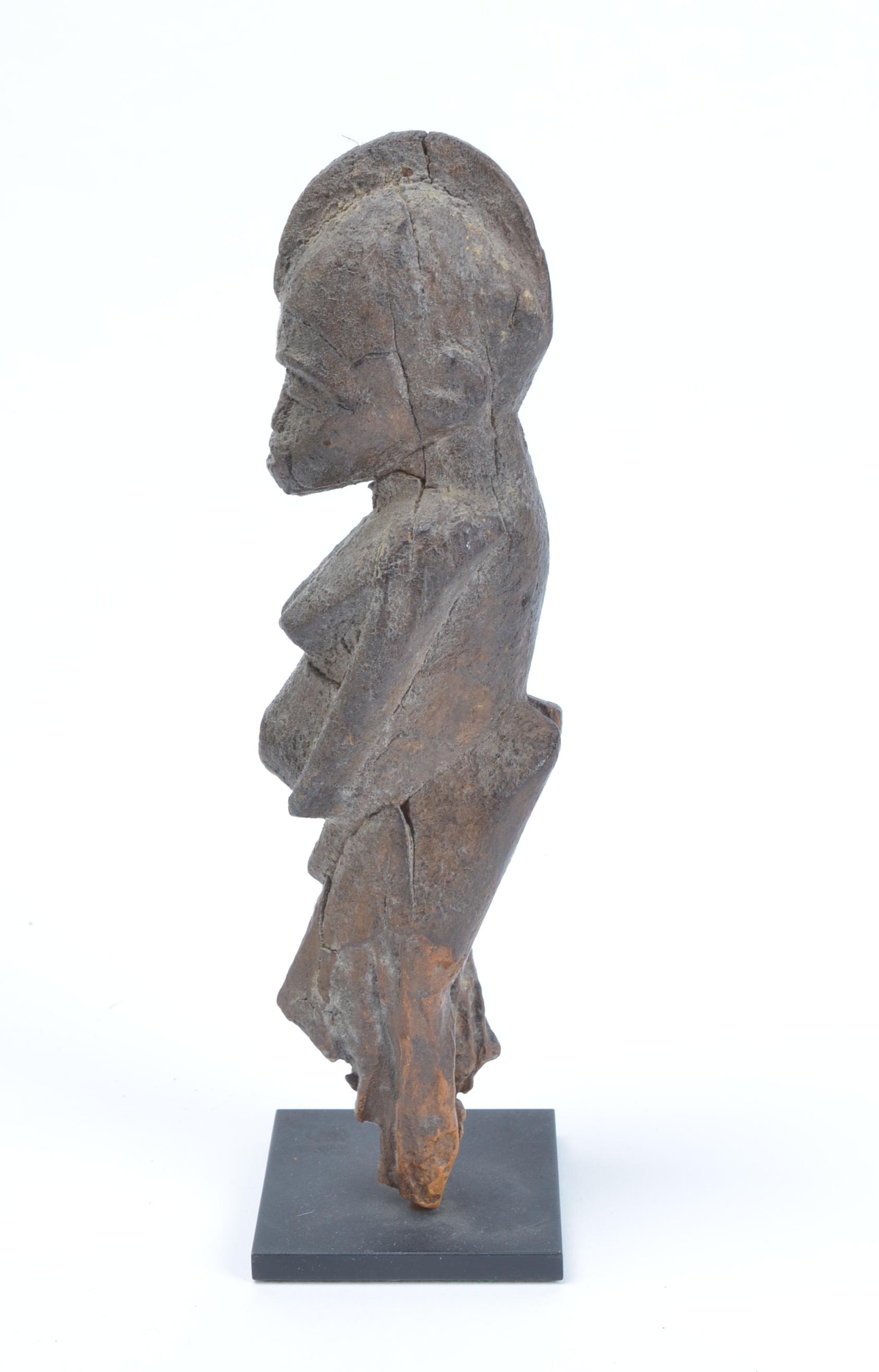 Female figure, Bateba