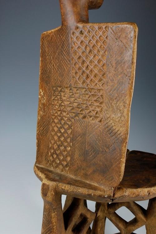 16. High-Backed Throne/Chair