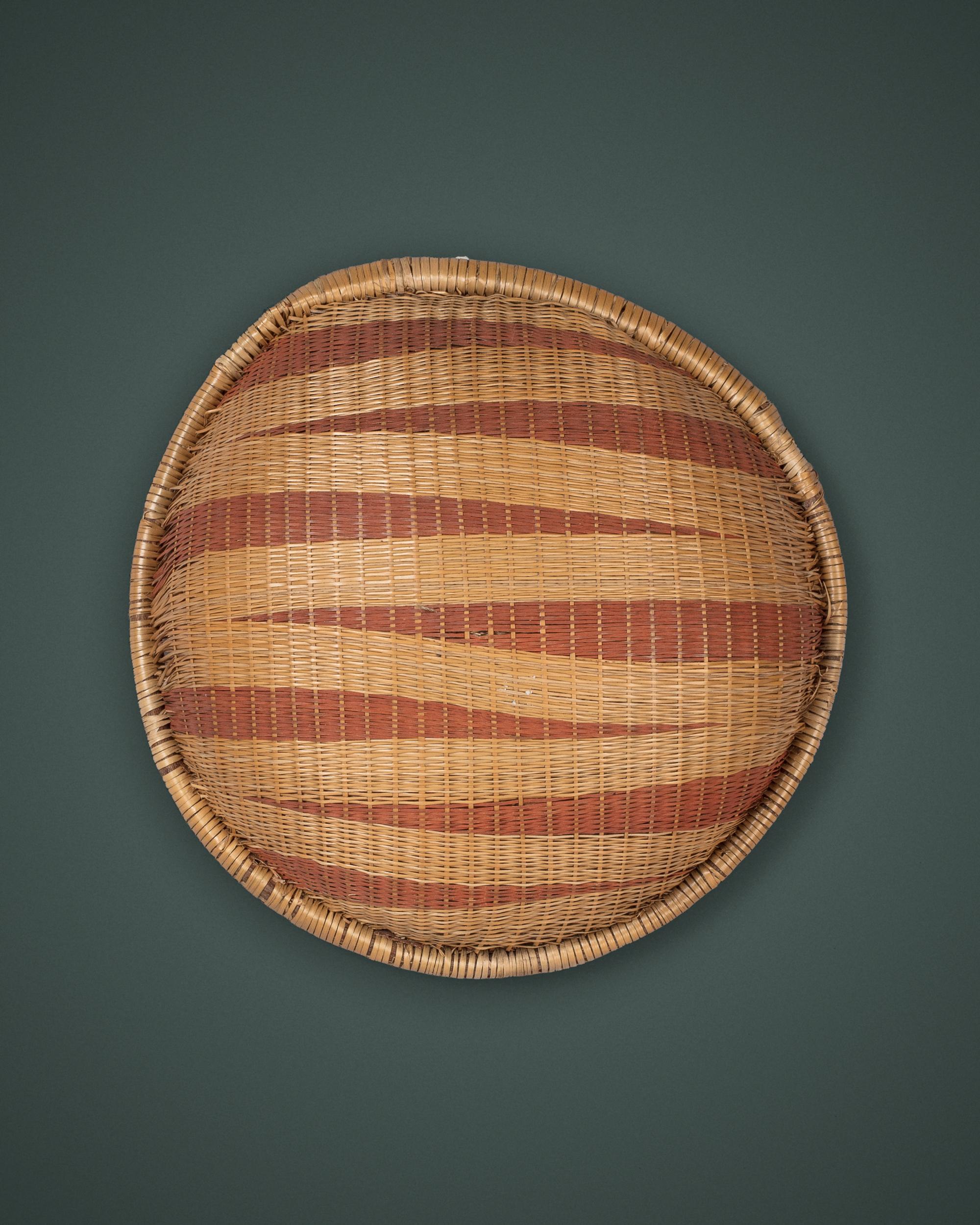 A Double-Sided Agakoko, Gift Plate