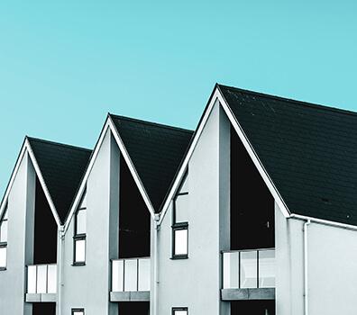 Trevåningshus i centrala Kungsbacka