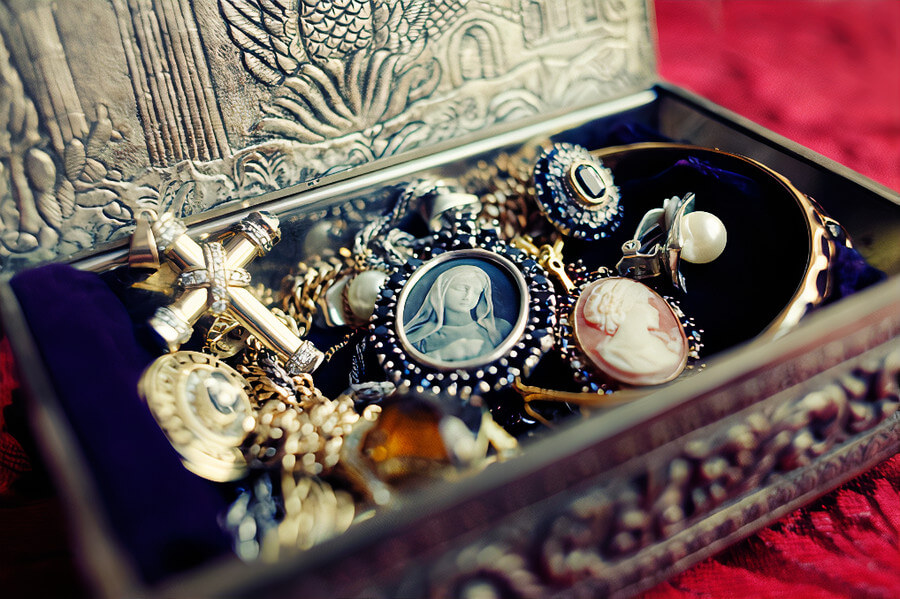 Valuable articles, jewellery