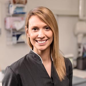 Hawthorn dentist Emma Wright Dental Assistant