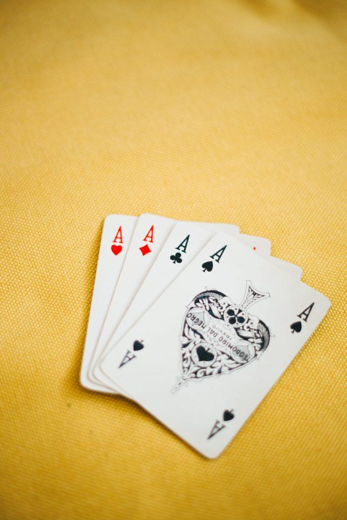 Quatre As pour représenter la chance