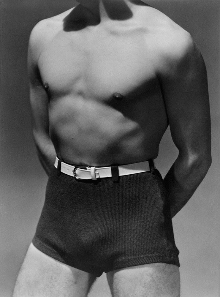 Beach fashion, 1930