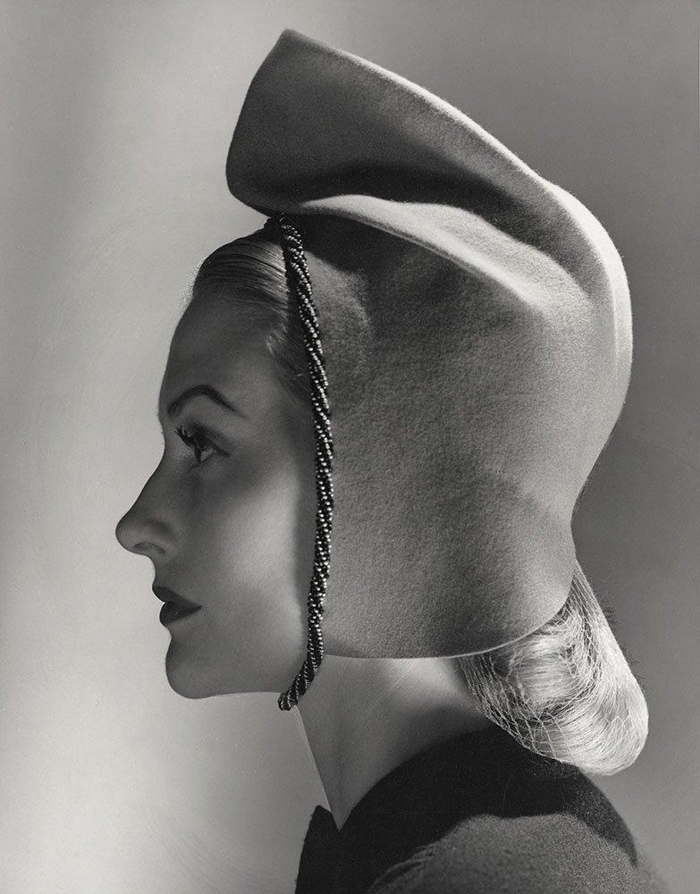 Hattie Carnegie, 1943
