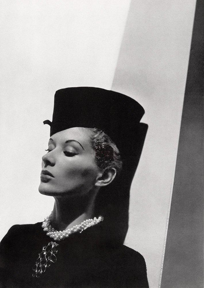 Molyneux, 1937