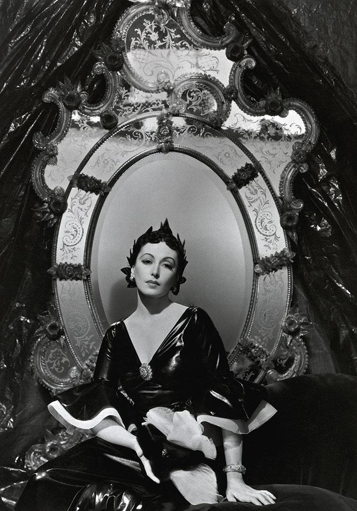 Nimet Eloui Bey, evening dress by Mainbocher, 1935