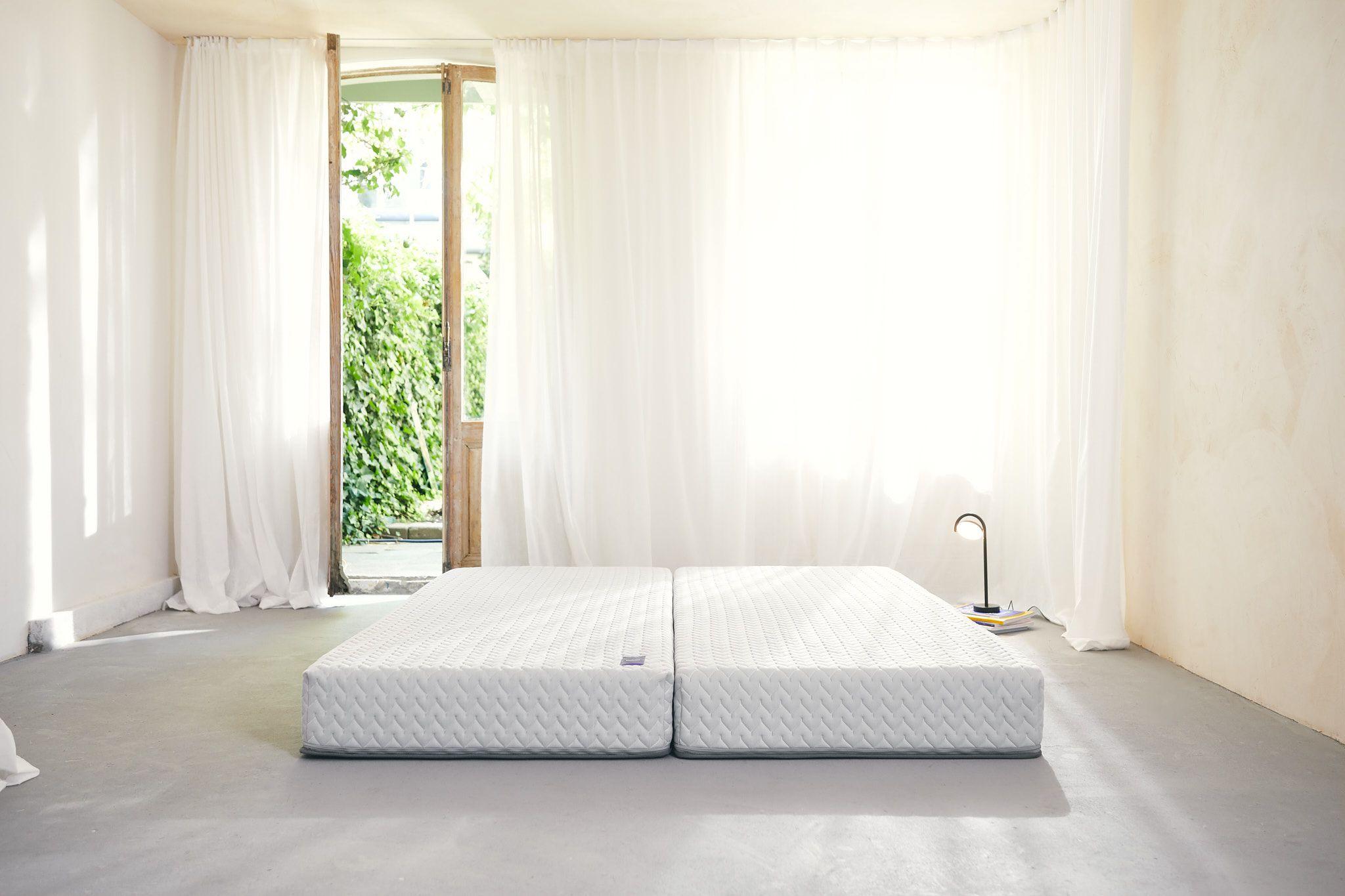 Bedzzzy bed woonkamer