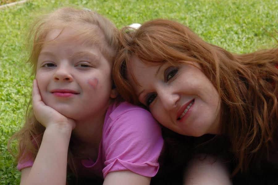 Melinda Hilderbrandt and her daughter Amelia