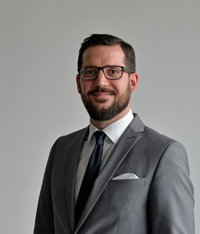 Dr. Marc Linzmajer, Deputy Director Consumer Managment HSG