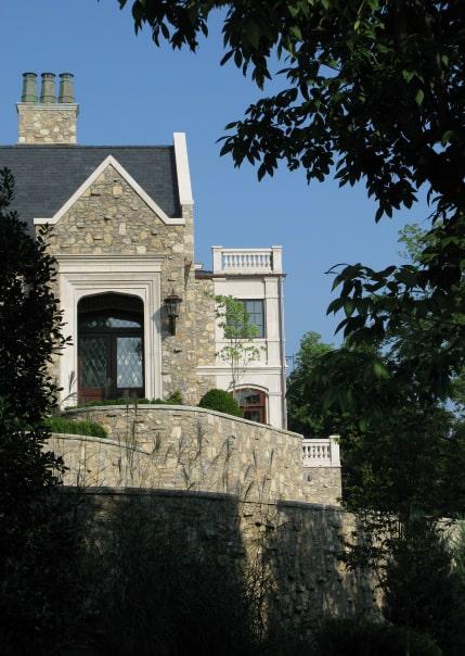 Big stone house need restoration.