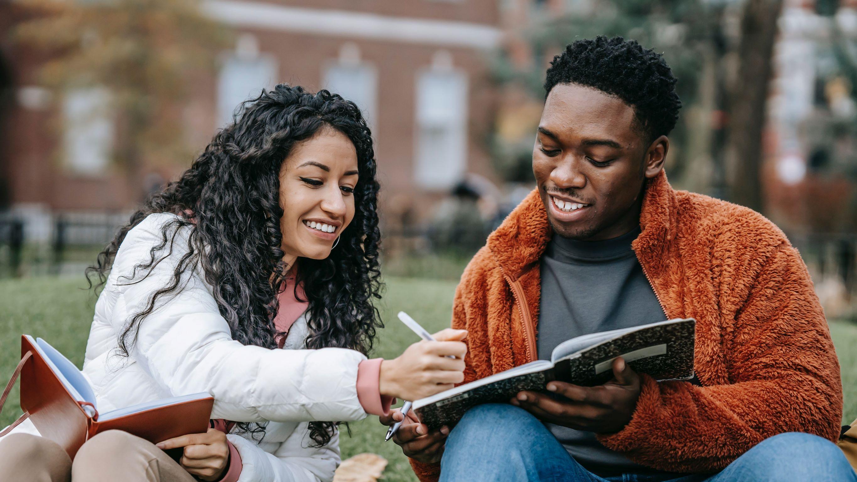 7 Best College Gift Ideas 2021