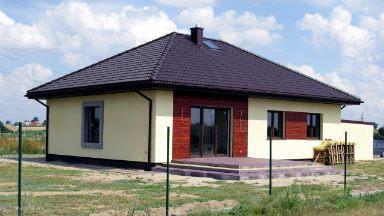 Dom parterowy z 3-4 sypialniami i garażem