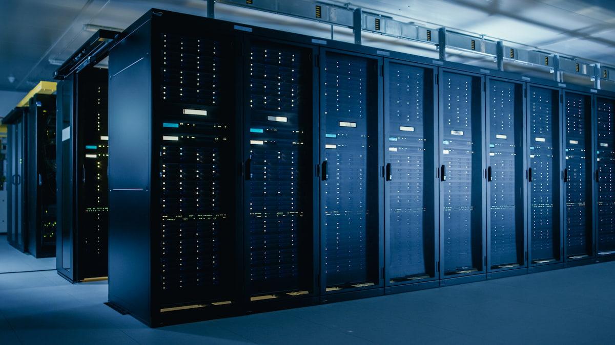Image of a server center