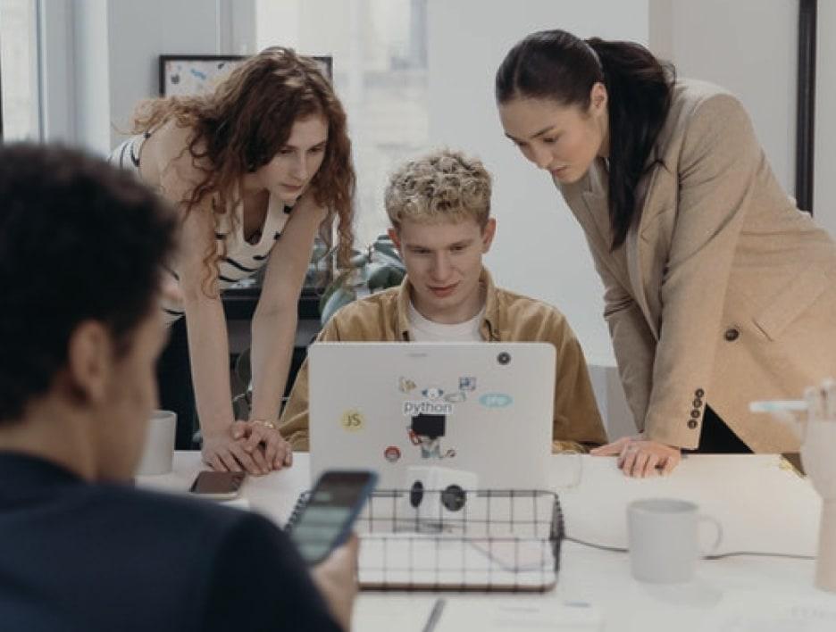 Make Context Команда мощных спецов по поисковой рекламе знает про трафик всё
