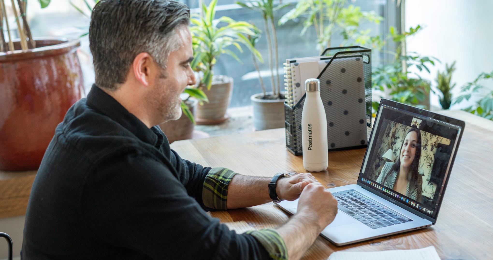 Feedback en entreprise : freelances et indépendants, les grands oubliés ?