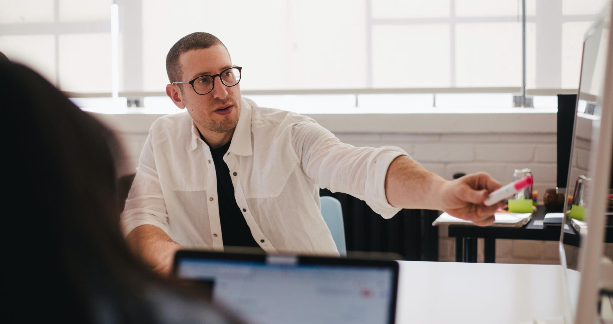 Entretien de performance et entretien de développement : pourquoi avez-vous besoin des deux ?