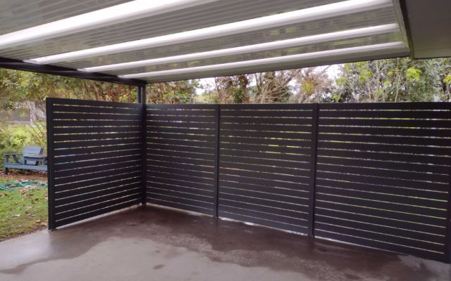 aluminium slat screen to enclose falt roof providing privacy and shelter from the weather