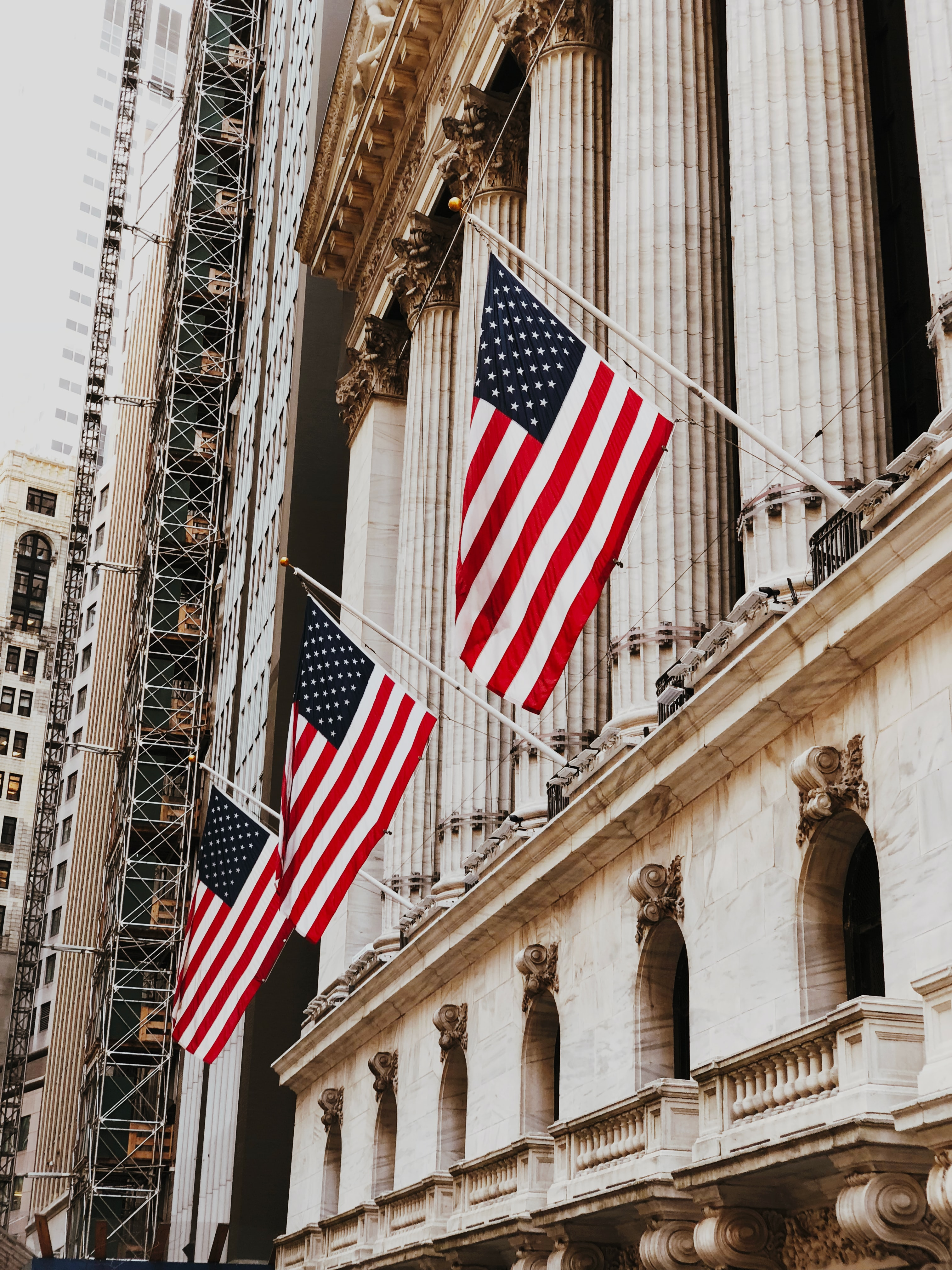 Nasdaq (US100) - Week 18: Wall Street bound to correct?