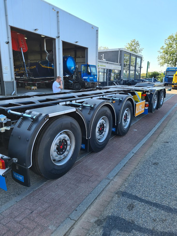 Truck chassis from LIS used by MMR