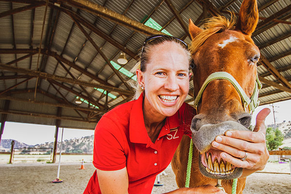 Michelle takes you INSIDE the mouth of our horses today to teach you all about how their teeth work and what they look like! Michelle will show you how horses' teeth change over time and how you can use their teeth to figure out how old they are! You'll never look at a horse's mouth the same way after watching this!