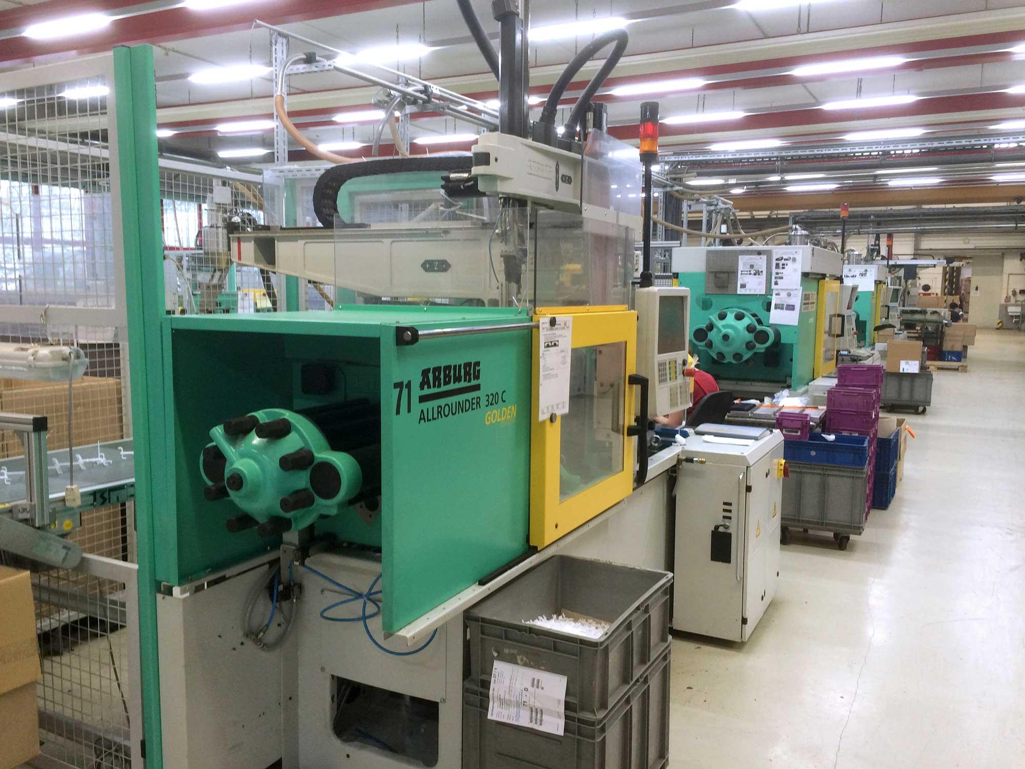 Foto einer Industriehalle nach Umrüstung auf KB Silverline.pro