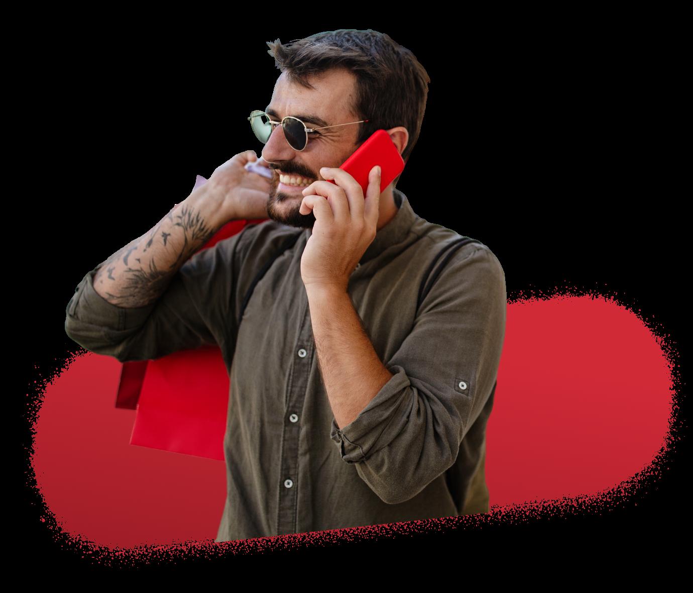 Solution digital et programmatique - Homme au telephone Drive to store