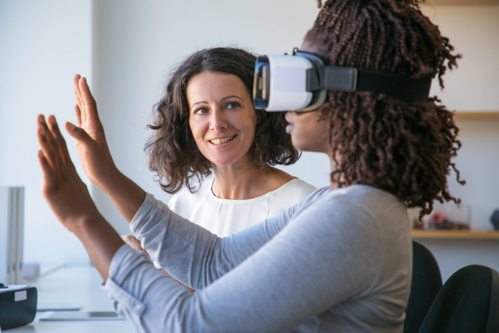 VR for education. Teacher explaining how to simulate