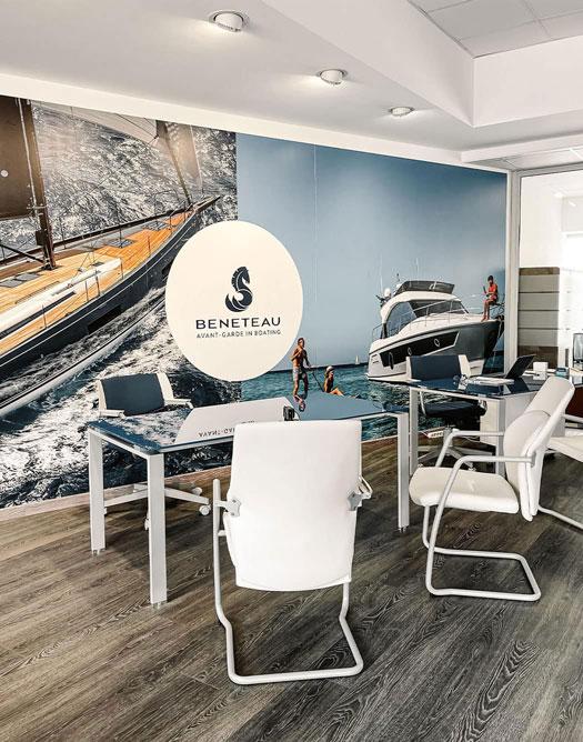 L'ufficio di Spartivento Yachts, nel Porto Turistico di Roma Ostia.