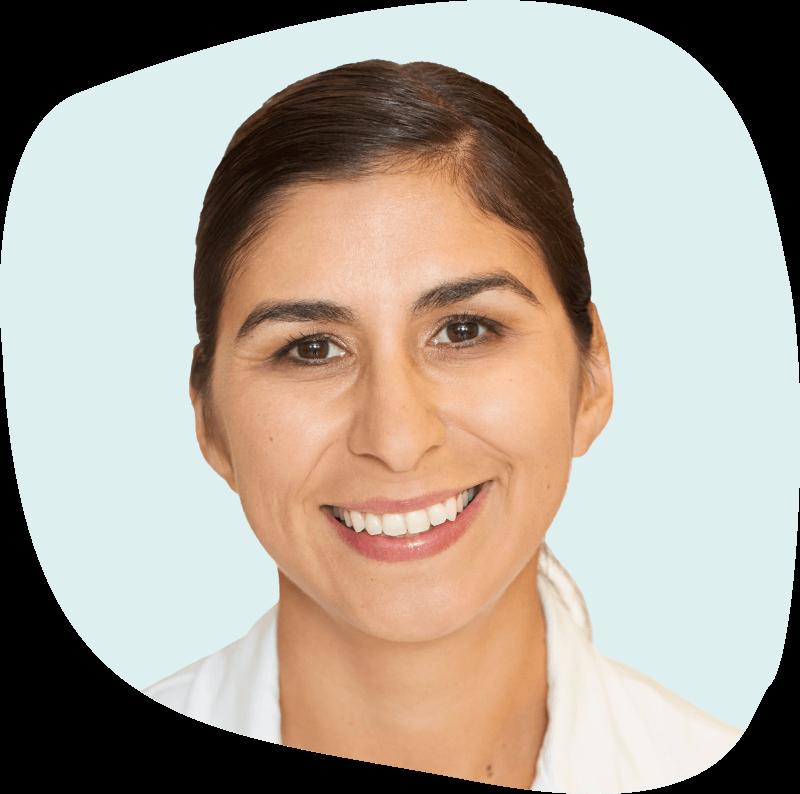 Headshot Dr. Alejandra Casillas.