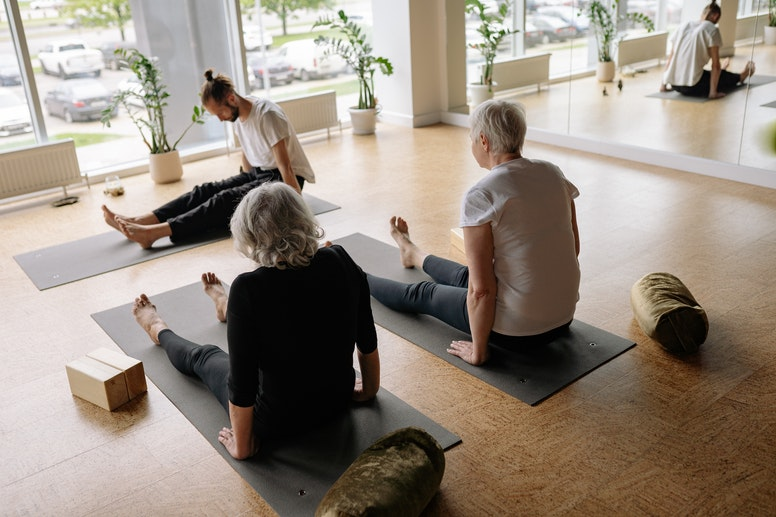 How to Tell if You Have a Good Yoga Teacher